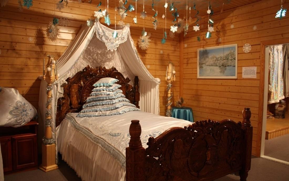 Вотчина Деда Мороза в Великом Устюге кровать фото