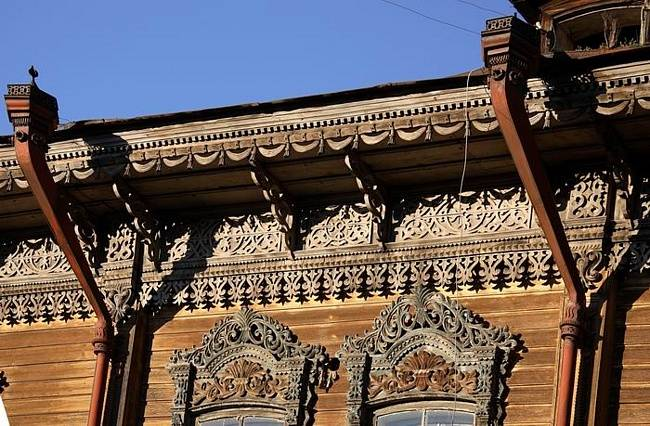 Резной дом в Томске