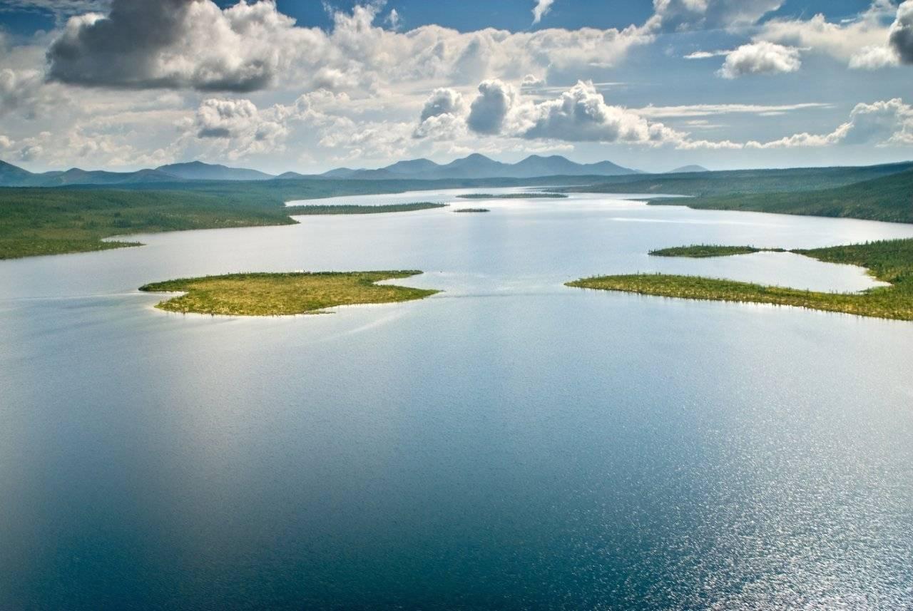 озеро Джека Лондона в Магаданской области фото
