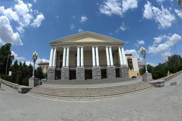 Музыкальный театр Волгоград достопримечательности фото