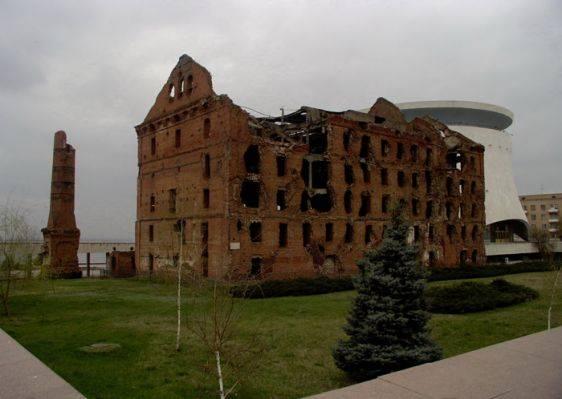 Руины старой мельницы Волгоград достопримечательности фото