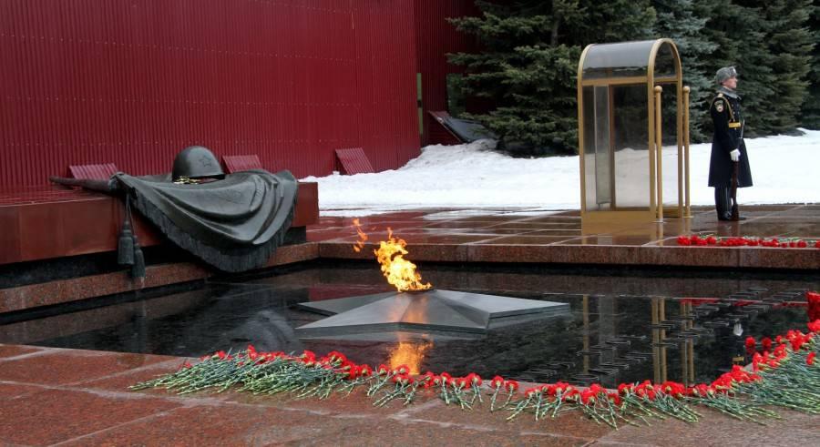 Александровский сад и могила неизвестного солдата Москва фото