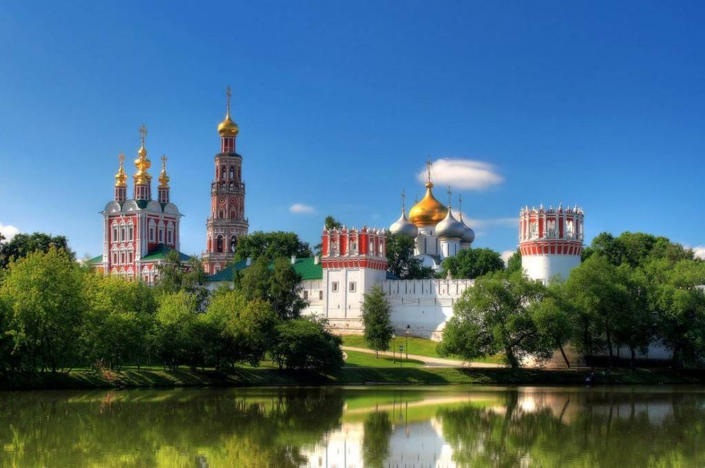 Новодевичий монастырь Москва фото