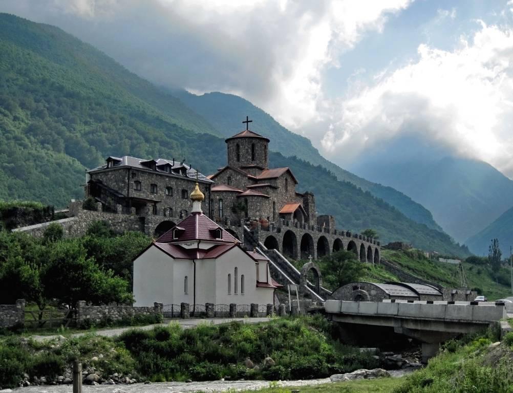 Свято-Успенский монастырь Северная Осетия фото