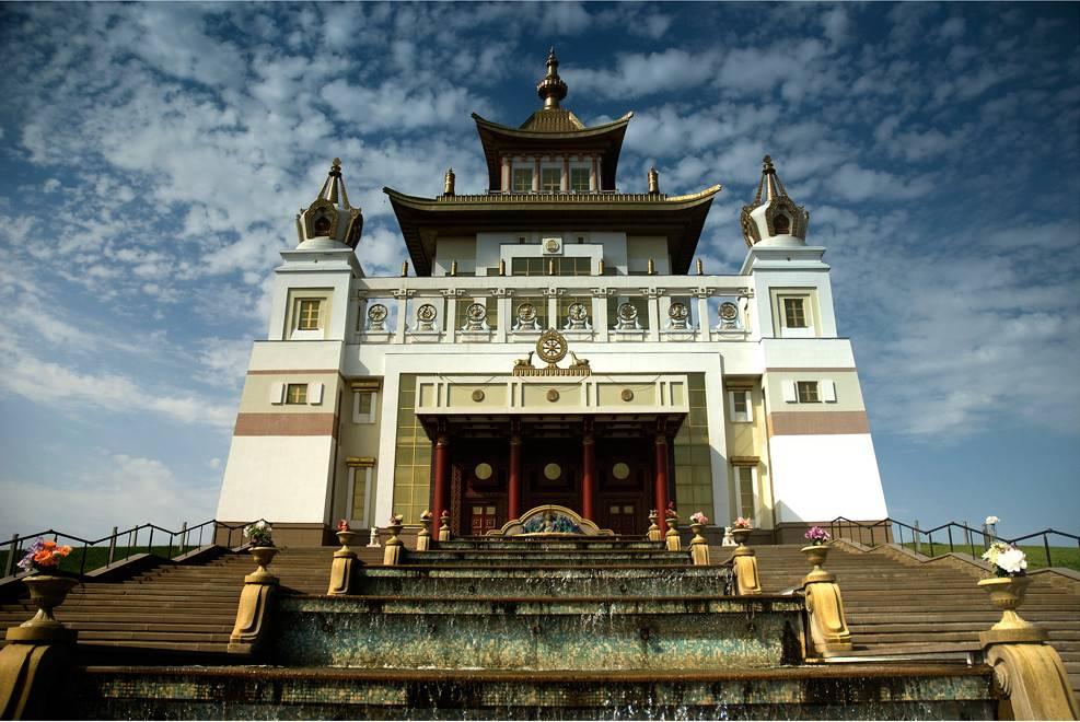 Золотая обитель Будды Шакьямуни Элиста фото