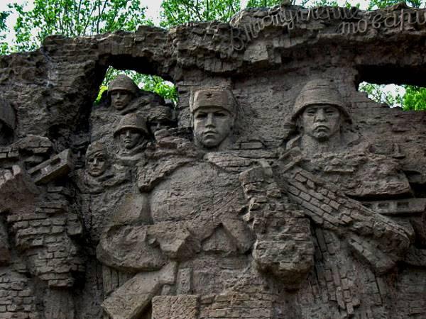 Стены-руины, Мамаев курган, Волгоград