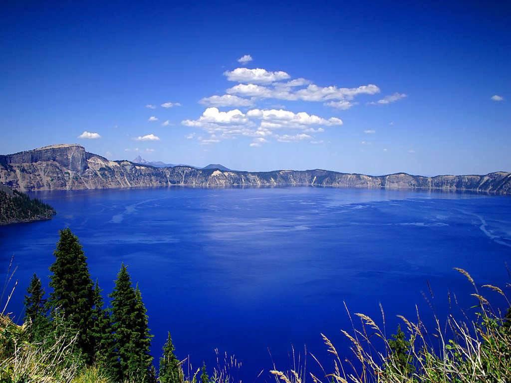 Озеро Байкал в Сибири фото
